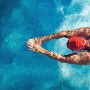 La piscine, bien meilleure que la salle de fitness pour affiner sa silhouette